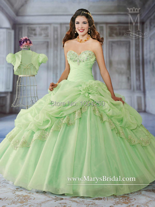 a85ce2a2f8f IR0007 New Design Light Green Quinceanera Dresses Ball Gowns 2018 Sexy  Sweetheart Beaded Drapped Vestidos de