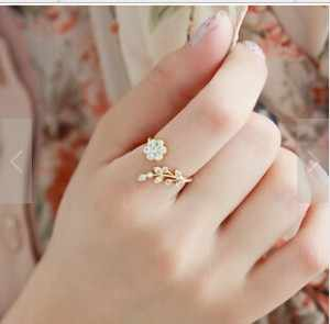 R224 2019 new Twisted Midi Finger Champagne Rhinestone Leaves Wishful Opening Ring Flower Accessories