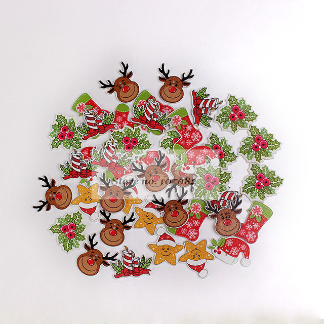 200pcs Mixed Wood Christmas Buttons 2 Holes Xmas Tree Reindeer Holly