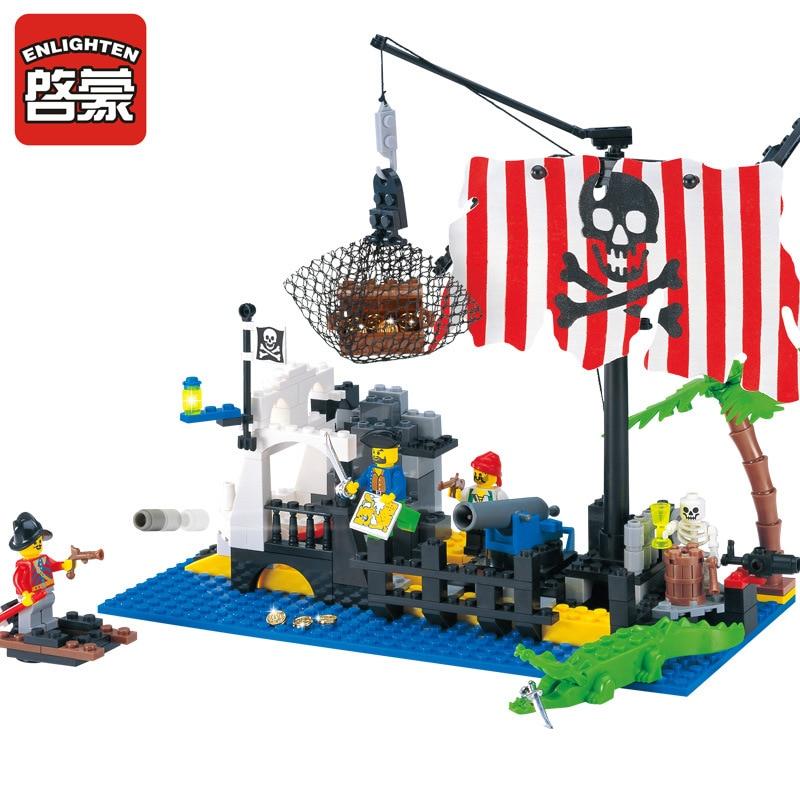 ENLIGHTEN 238Pcs Pirate Series Bricks Pirate Ship Command Center Model Building Blocks Set Minifigures Toy Compatible