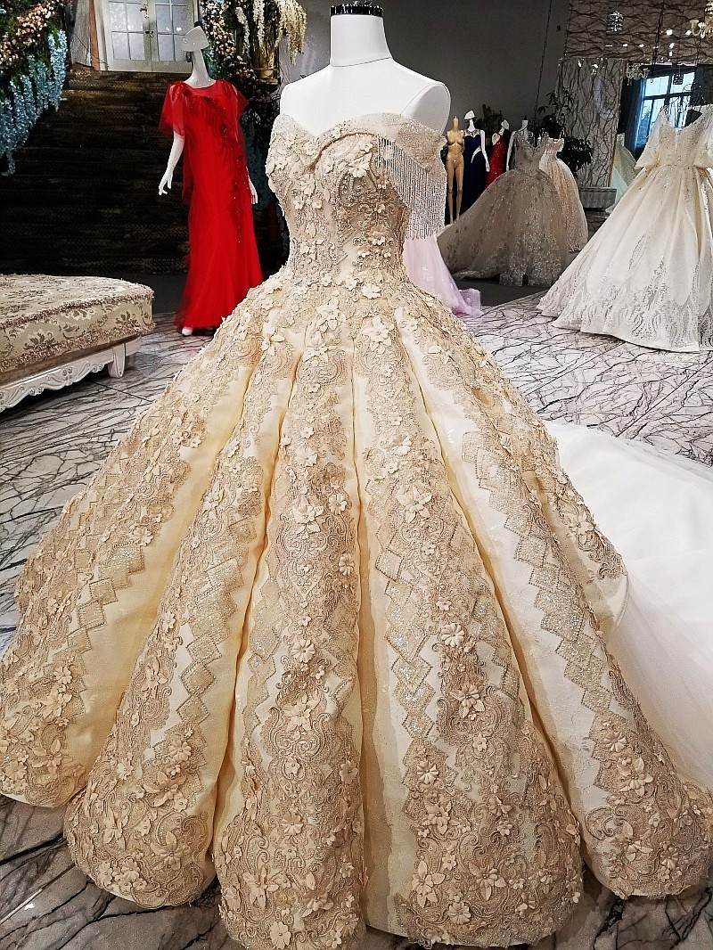 Big skirt Ball Gown Evening dress sleeveless champagne gold evening color lace