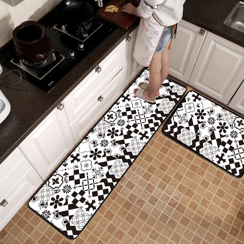 Black And White Geometric Kitchen Rug: European Black And White Geometric Stitching Flowers