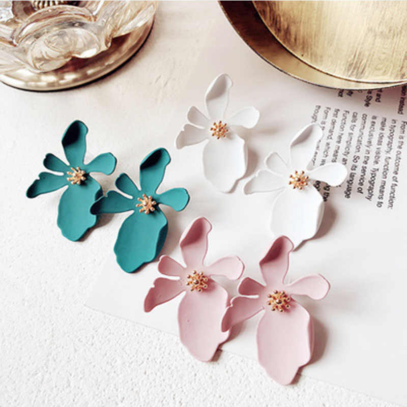 Korean Exaggerate Big Flower Plant Resin Earrings for Women Spray Paint Stud Earring Fashion Accessories elegant Wedding Jewelry