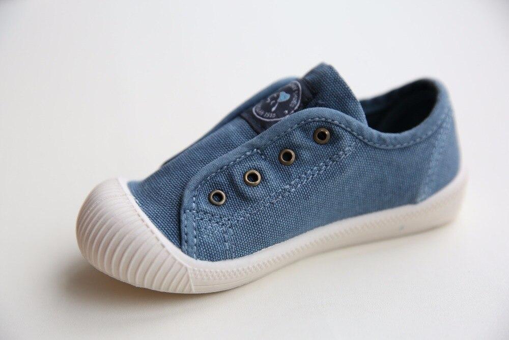 Baru 2018 musim semi bayi sepatu olahraga anak perempuan laki laki sepatu  kanvas kasual sekolah tk musim semi sepatu putih biru 3 warna di Sepatu  Olahraga ... 441abd37e4