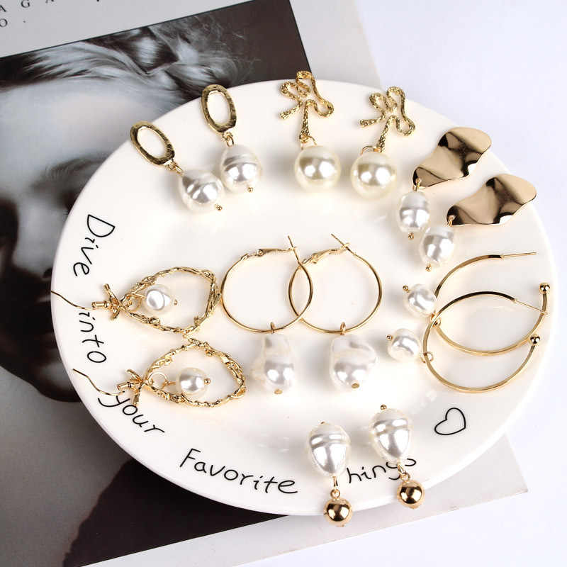 Personality And Creative Variety Of Imitation Pearl Matt Gold Earrings Big Temperament Irregular Geometric Female Accessories