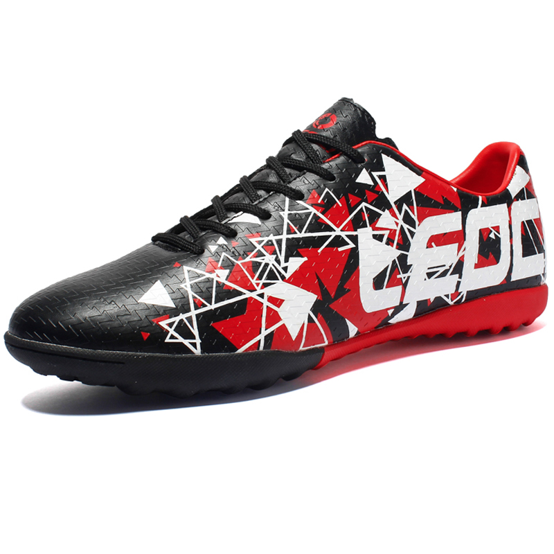 Boys Soccer Shoes Leather All Season Kids Sneakers Cleats Rubber Big Non-slip Children Football Boots Zapatillas Indoor TrainersBoys Soccer Shoes Leather All Season Kids Sneakers Cleats Rubber Big Non-slip Children Football Boots Zapatillas Indoor Trainers
