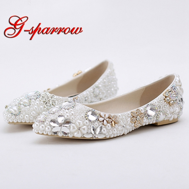 2018 Beautiful Flat Heel White Pearl Wedding Shoes Comfortable Crystal Bridal  Flats Customized Mother of Bride 704941c78312