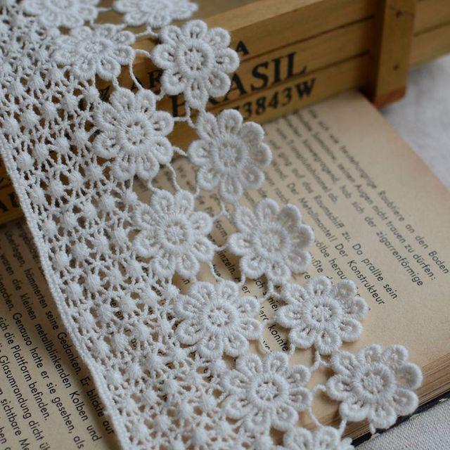 Venice Rococo Crochet Lace Trim Teardrop Flower Design Embroidered
