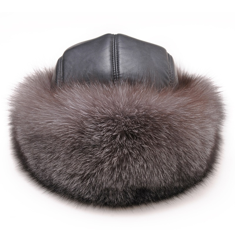 Cáscara de cuero invierno ruso Ushanka sombreros mapache genuina bombardero  sombrero de piel para hombre de nieve exterior Cap Leifeng en Cazadora  Bomber ... c24c0f4853b