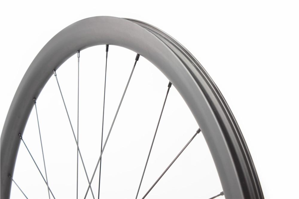 rodas de carbono 700
