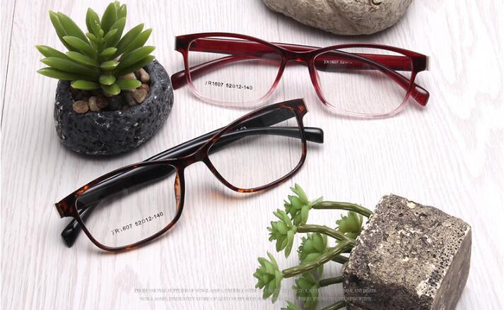 eyewear frames manufacturers