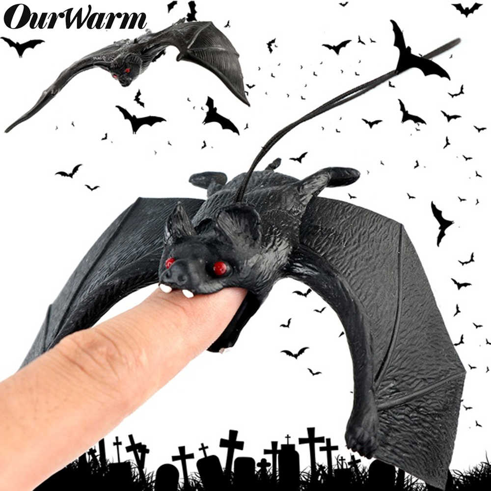OurWarm Halloween Lifelike Fake Bat Hanging Scene Prop Trick Toy Pendant Backdrop DIY Halloween Party Decoration Supplies