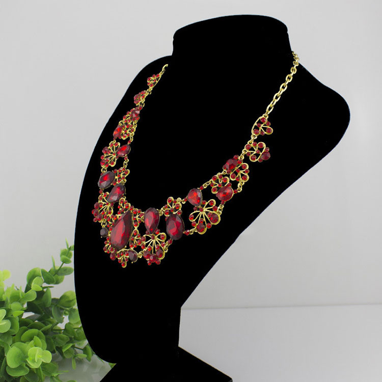 Luxurious Large Crystal Wedding Jewelry Sets Imitated Gemstone including Necklace Earrings Tiara Silver and Red in Jewelry Sets from Jewelry Accessories