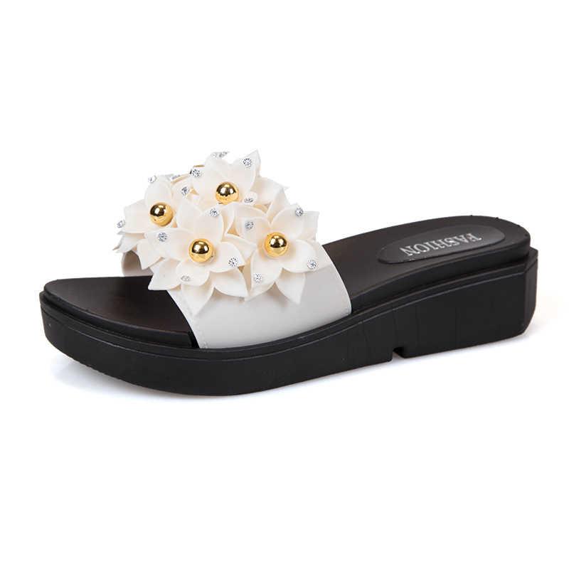 Новинка 2019 года; Милые шлепанцы с цветочным принтом; женская обувь; домашние тапочки на платформе с жемчужинами; Летняя обувь; женские шлепанцы; zapatos de mujer