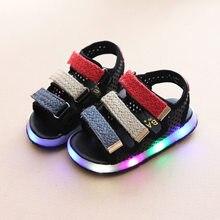 7b50ccf80 Высокое качество Крюк & Петля модные детские сандалии led подсветкой  светящиеся для мальчиков и девочек обувь мягкий блеск кожи .