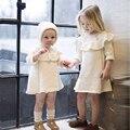 Nuevo Traje de Bebé Otoño Ropa Encantadora Princesa Niñas Vestido De Encaje Blanco Sólido Lindo Media Manga Niños Vestido de la Muchacha de Suéter Caliente