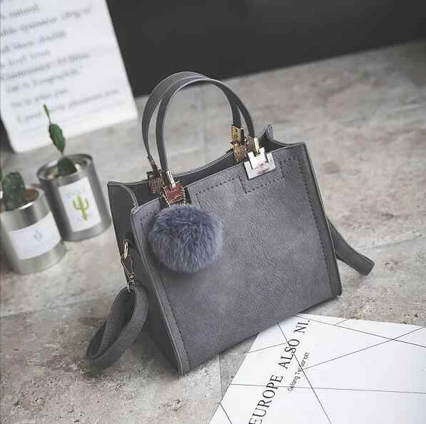 2018 новые женские сумки модная сумка-мессенджер, ретро Корейская версия женская сумка, тренд hairball украшения лоскут с бесплатной доставкой