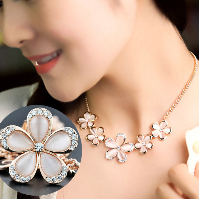DuoTang Pink Flower Pendant Necklaces For Women Ople Rhinestone Link Chain  Gold Color Metal Choker Necklace Jewelry Girls Gift 51e8a8c3ed48
