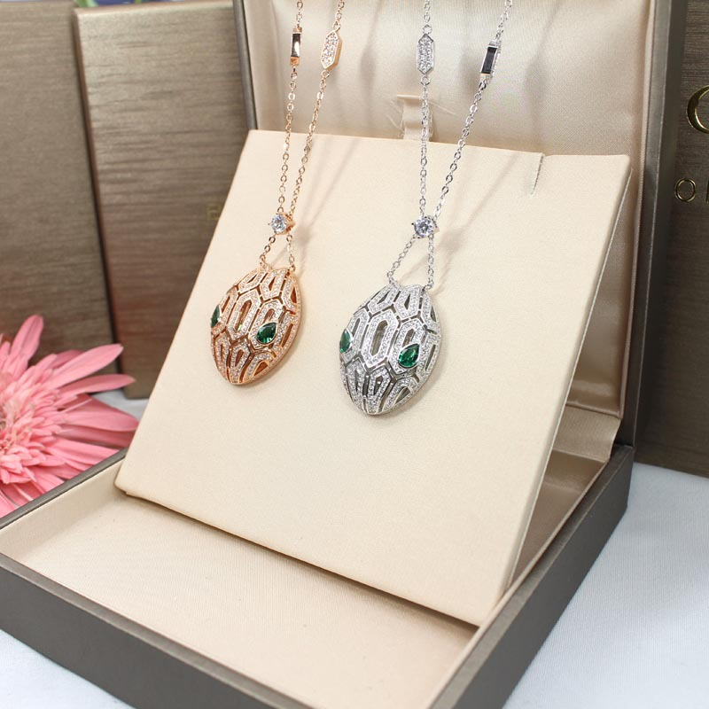 Tout nouveau collier de pendentif de serpent de femmes de concepteur collier de déclaration de mode