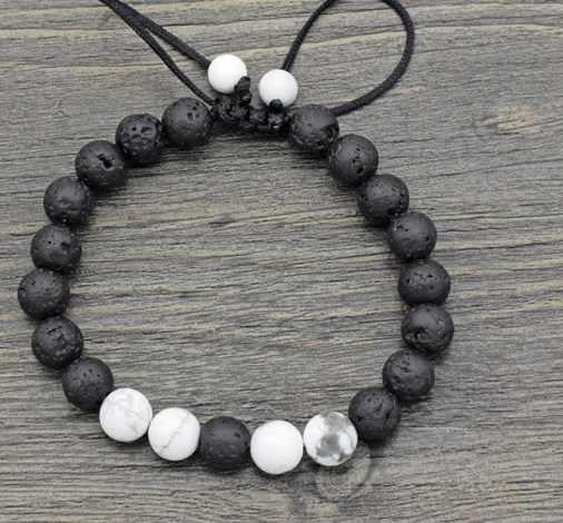 8 มม.bn434 ปรับ Charm ธรรมชาติลูกปัดสีขาว Howlite black volcanic lava สร้อยข้อมือหินผู้หญิงผู้ชายของขวัญพระพุทธรูปโยคะ