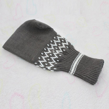 Convenient, beer-drinking winter glove – Keep Your Drink Cold and Your Hand Warm