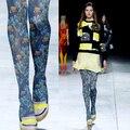 Europa y el Japonés Azul flores y pájaros pintura impresión pantimedias engrosamiento Personalidad calcetines filar femenino