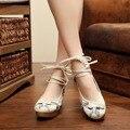 Grúa de la Mujer Embarazada Zapatos Casual Slip-on de La Vendimia Bordado Flora Boda Holgazán Estilo Chino Nacional de Pekín Zapatos