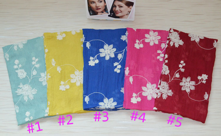 Ladies spring scarves Floral hijab Plain cotton scarf Muslim hijab Stereo embroidery pattern cotton shawls Women