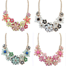 Women Chic Delicate Fashion Flower Rhinestone Bib Statement Necklace Clavicle Chain