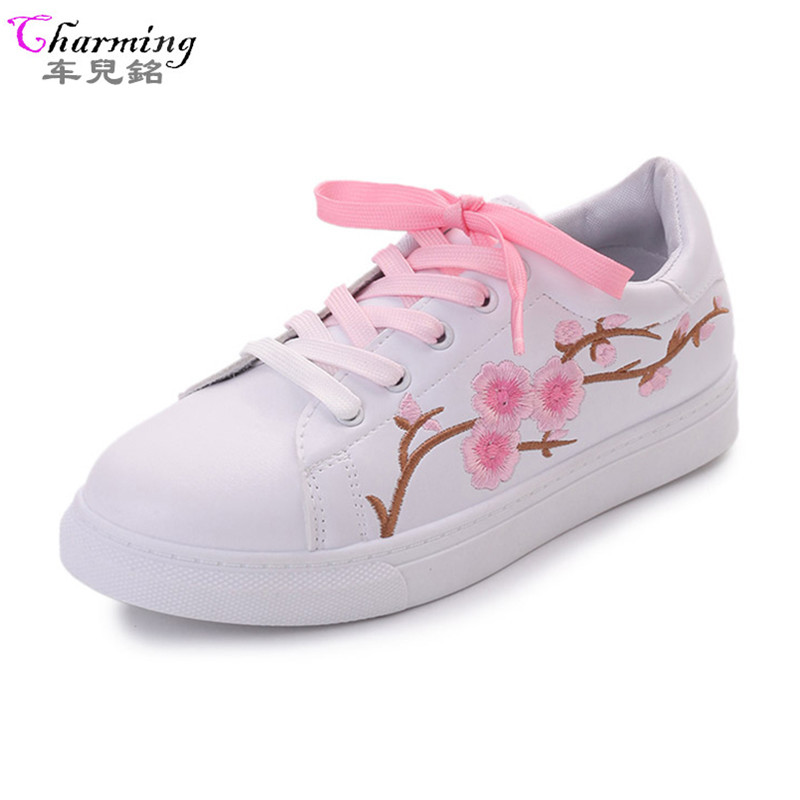2017 new shoes women flats spring autumn embroider flowers flat shoes female lace shoes white pink fashion style loafers ALF536