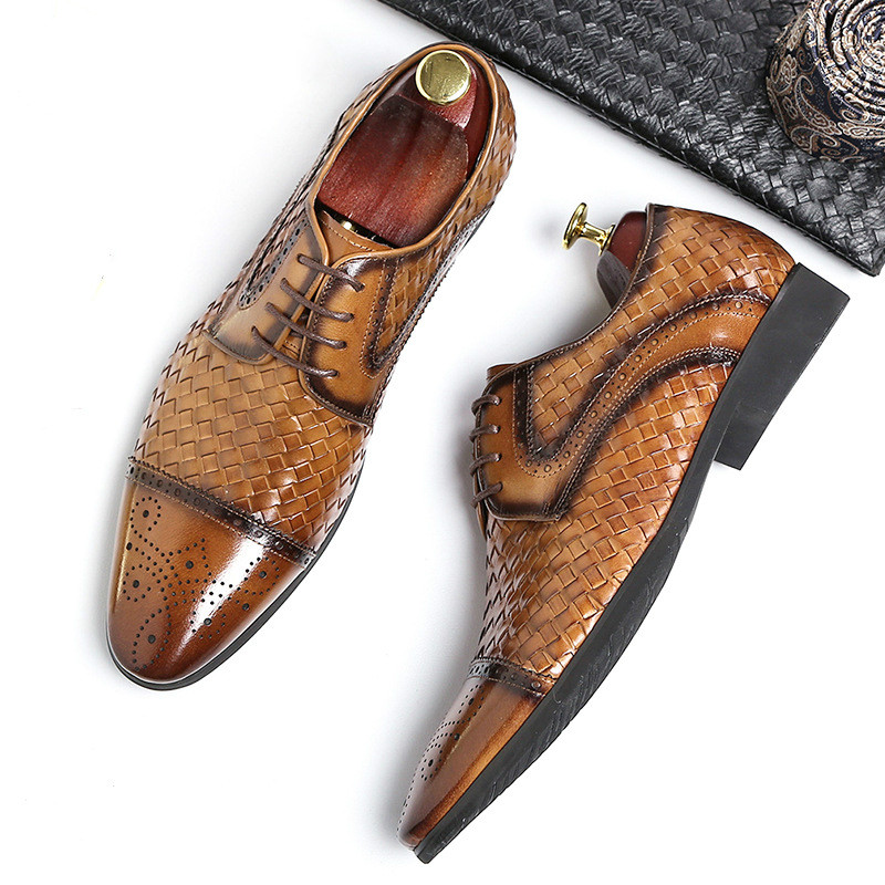 British Leather Shoes Men 2019 Business Pointed Carved Breathable Mens Dress