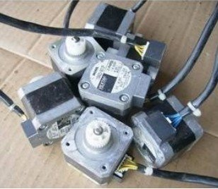 Free shipping 10pcs 42mm 1.2A Two-phase step motor,42 series stepper motor with Plastic wheel,Japan
