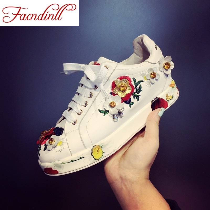 ФОТО brand design women flats 2016 new autumn fashion beading flower dress shoes round toe lace up casual shoes lady brogue shoes