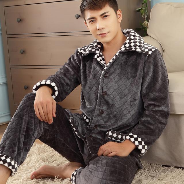Hombres Pijamas Invierno 2017 Otoño masculina conjunto ropa de dormir de franela gruesa de manga larga más tamaño salón informal azul gary caliente venta