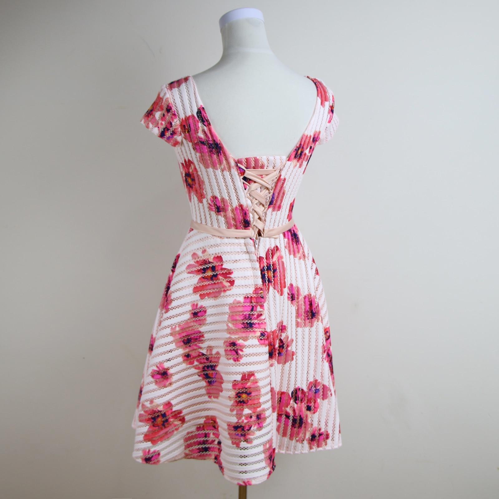 Lujoso Vestidos De Fiesta Cortos Florales Ideas Ornamento ...