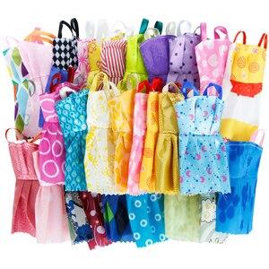 Image 3 - 42 アイテム/セット人形アクセサリー = 10 個の靴 + 8 ネックレス 4 メガネ 2 クラウン 2 ハンドバッグ + 8 個ドールドレス服バービー人形