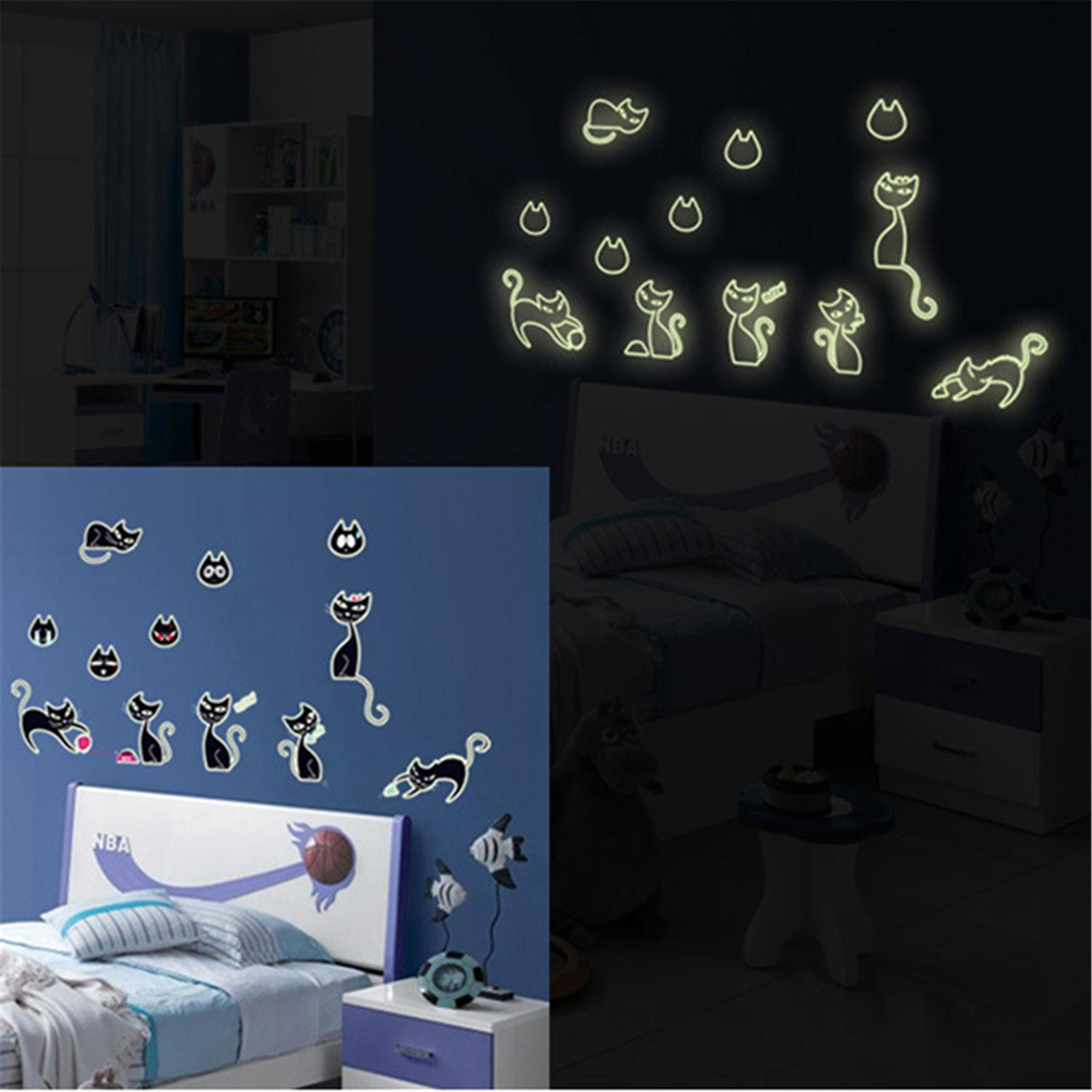 Happy Black Cat Family Glow In The Dark Wall Stickers Home Decoration Kids Bedroom Beautiful Fluorescent Art Sticker Brand New