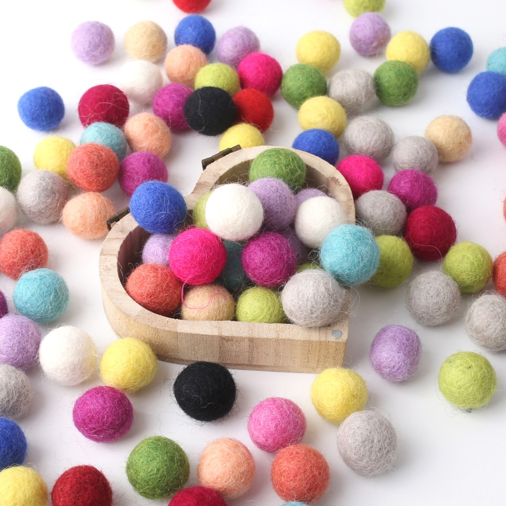 10Pcs Solid Color Finished Felt Ball DIY Accessories Wool Felt Balls Round Wool Felt Balls Decoration Photography Props