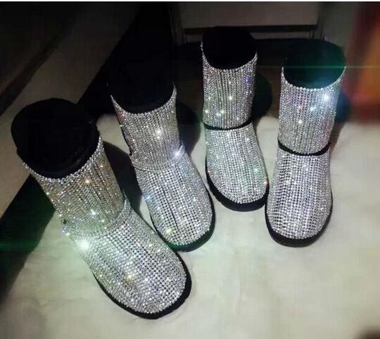 Winter Top Selling Women Flat Boots Bling Bling Beading Mid Calf Boots Fashion Round Toe Platform Fur Inside Leisure Warm Boots