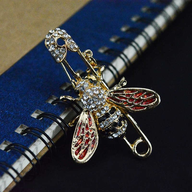 ... Alloy Cute Enamel Tack Bee Brooch Pins Women s Shirt Accessories Badges  On The Clothes Insect Jewelry 2c1d15280731