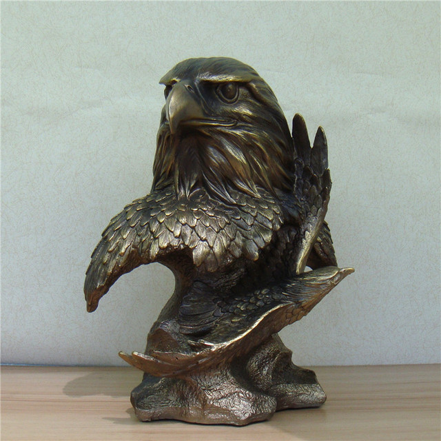 Abstract Hawk Bust Sculpture Handmade Resin Flying Eagle Statue Innovation  Craft Ornament For Office Decor And