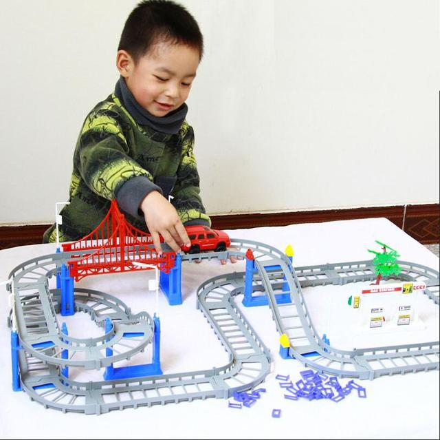 Small Electric Rail Car Automobile Race Children Puzzle Baby Boy Toy