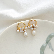 Natural freshwater pearl earrings Design sense temperament elegant lady fashion geometry delicate jewelry