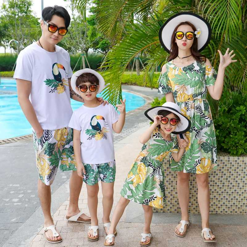 33d269eefe ... Family Matching Outfits Mother Daughter Beach Vocation Leaves Birds  Dresses Summer Dad Son T-shirt ...