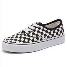 d165fda9a987b 2018 spring new couple board shoes students flat wild canvas shoes female  Korean black and white lattice skateboard shoes tide