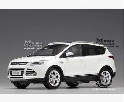 2015 new Ford KUGA SUV 1:18 car model alloy metal diecast kids toy collection high quality Pearl White gift boy limited maisto jeep wrangler rubicon fire engine 1 18 scale alloy model metal diecast car toys high quality collection kids toys gift