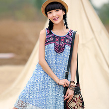 LIEBO 2016 Summer New Sweet Ethnic Style Embroidery Sleeveless O Neck Lace Loose A Line Middle Dress Women Clothes 51160091