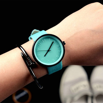 XG217 New Fashion Casual Simple Women's Wrist Watch Analog Quartz Watches Unisex Round Rose Red Dial Leather Band Solid