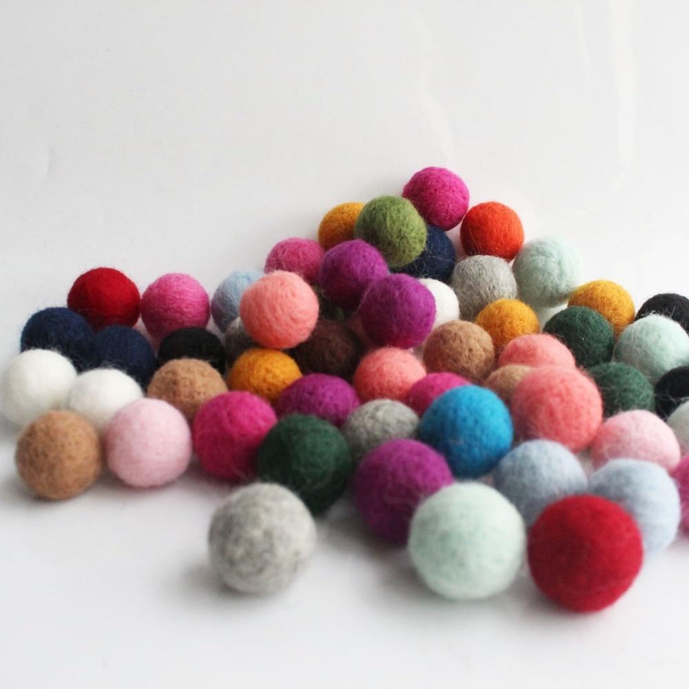 1.7 cm DIY Craft 17 mm  Felt Ball Nursery Christmas Decoration 100/% Wool