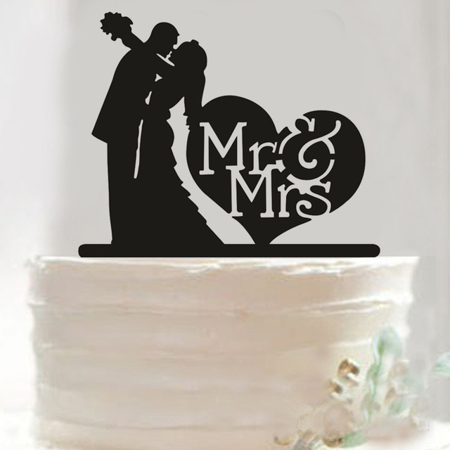 Kissing Love Heart Mr Mrs Wedding Cake Topper Decoration Stand